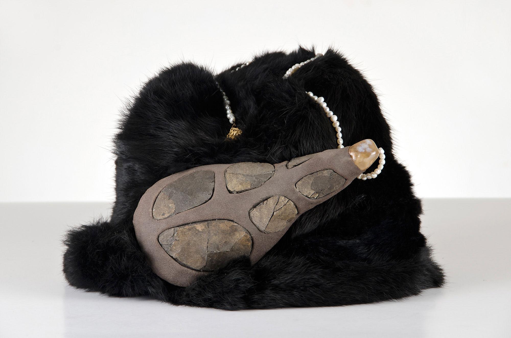 mongolian_black_fur_headwear-00